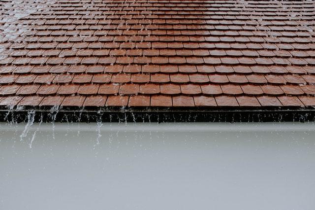 Wat doet een dakdekker